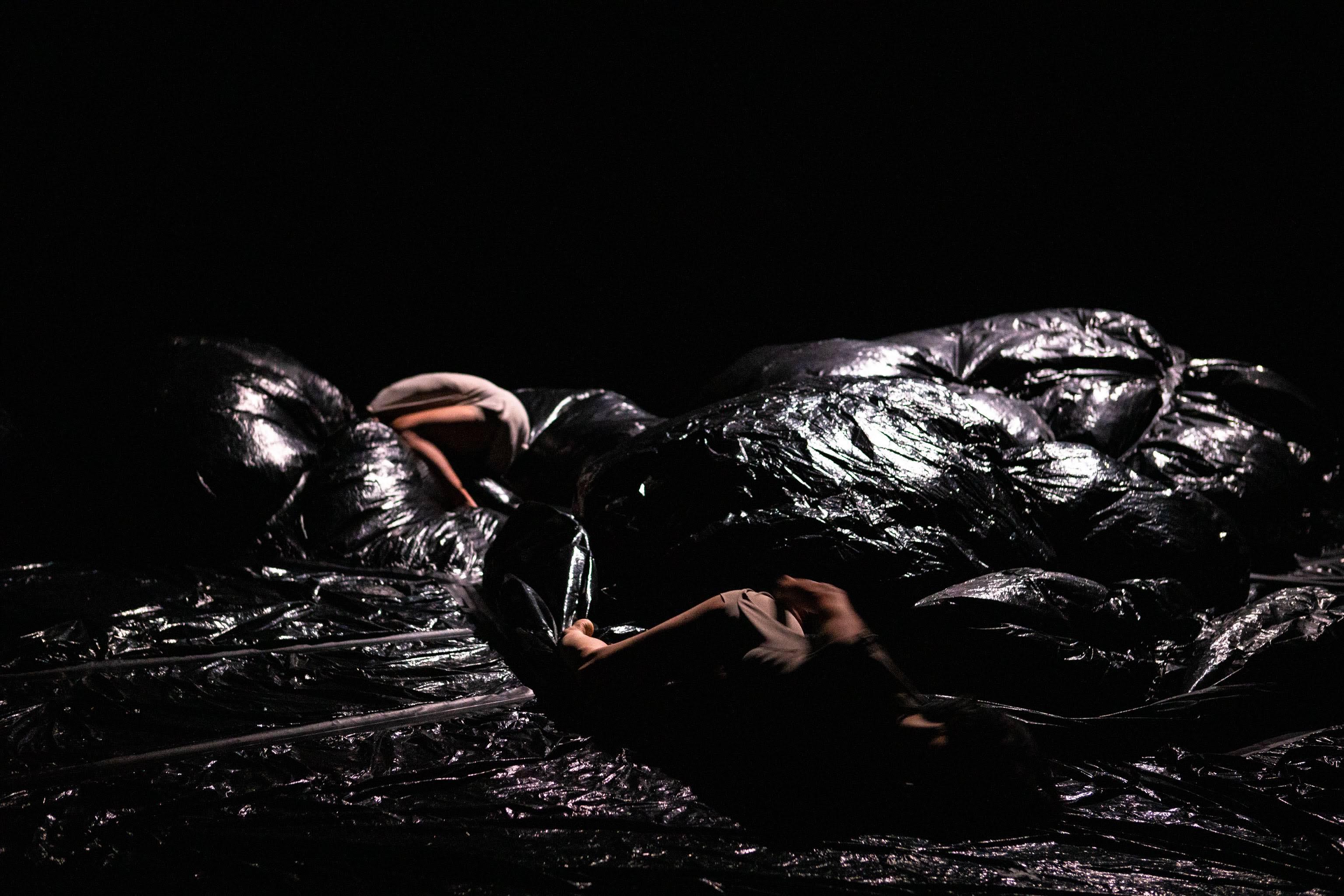《人類黑區》 攝影周嘉慧 國家表演藝術中心國家兩廳院 提供