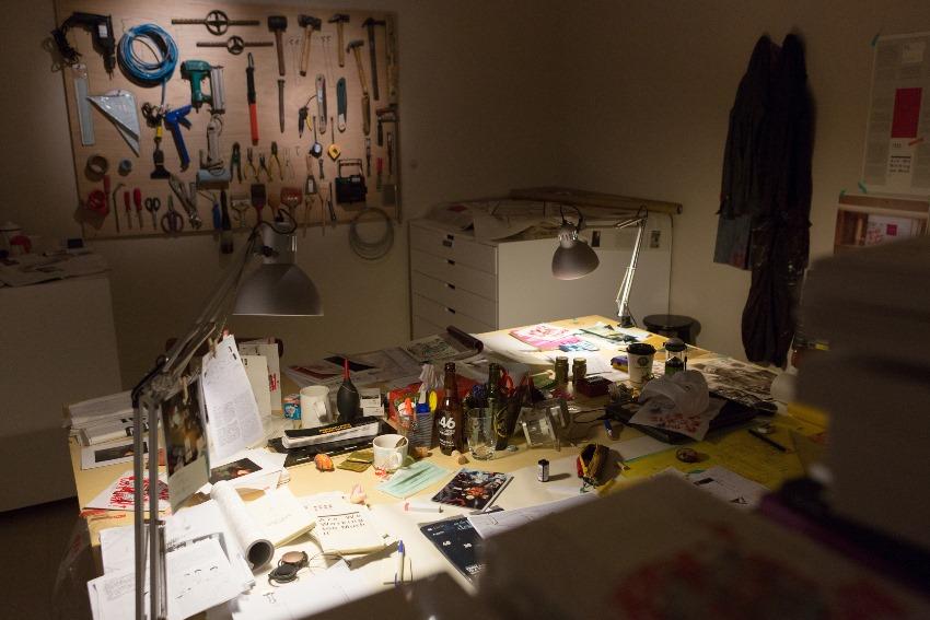 「我們是否工作過量」工作室,誠品畫廊,台北,台灣,2013