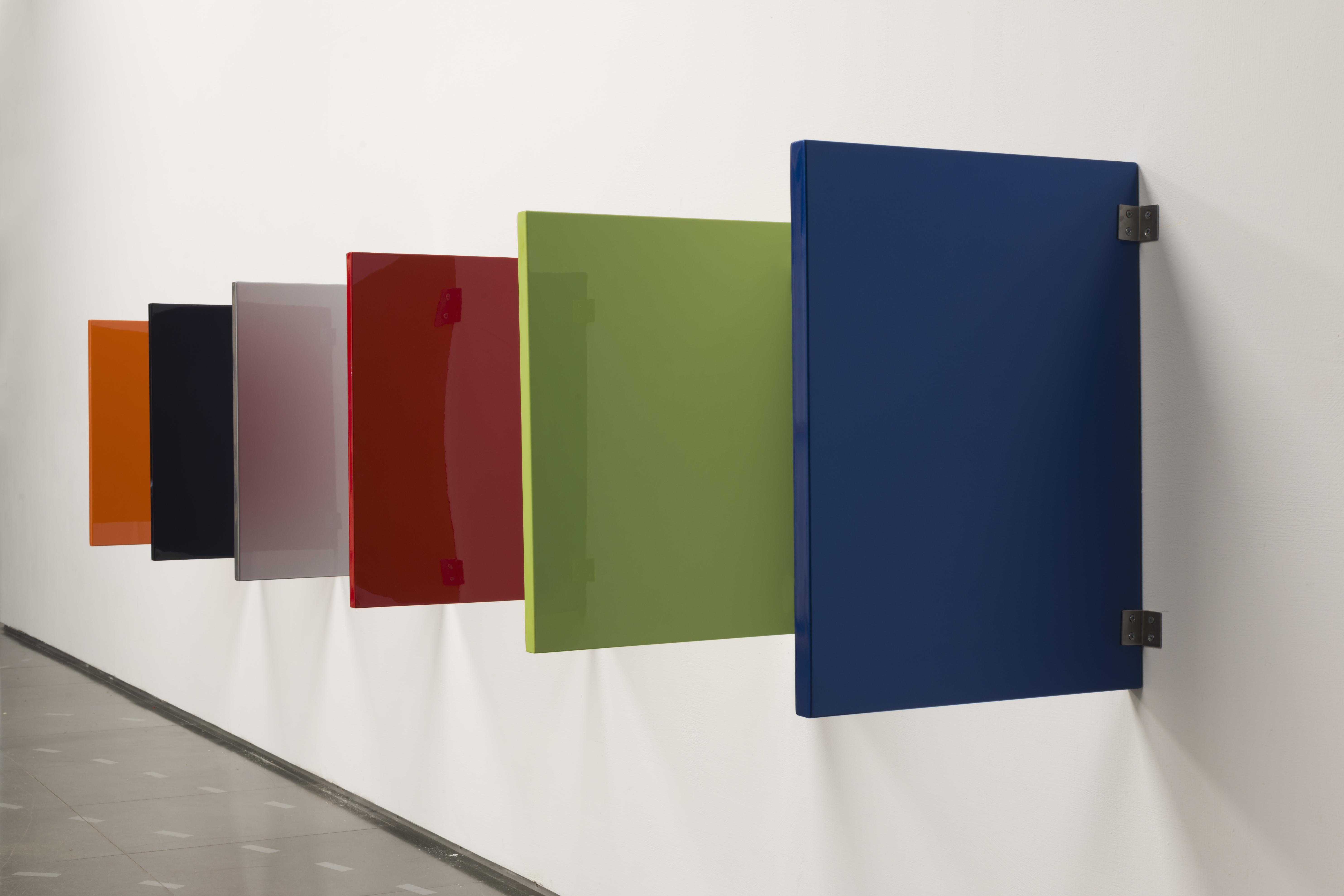 林明弘,〈無題 (福特野馬 2021)〉,1994/2021,壓克力噴漆、鋼板,60.5x45cm/片,藝術家自藏,圖片提供:MoNUTE北師美術館