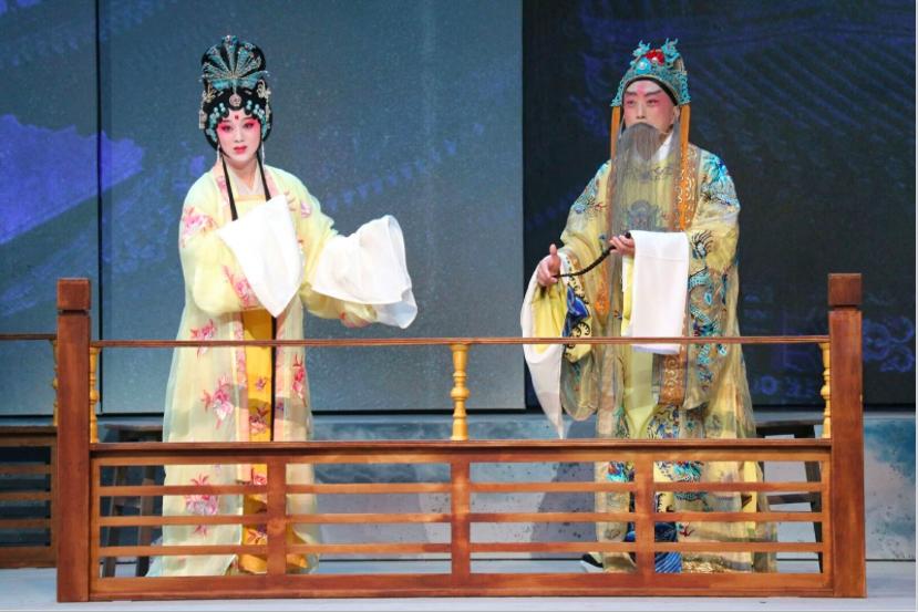 李寶春(京)飾唐明皇、徐思佳(崑)飾楊貴妃,攝影:魏鍇