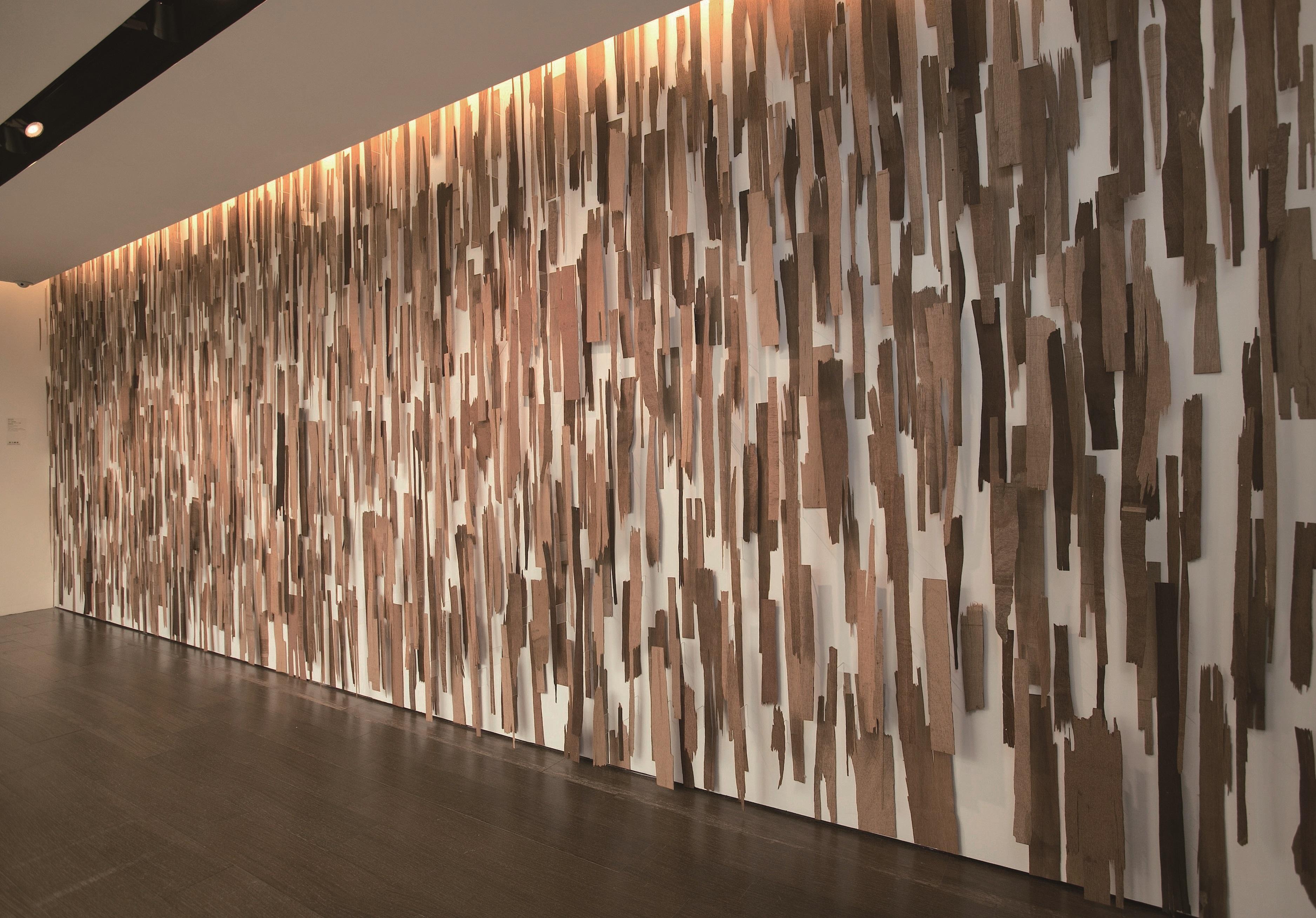 木料/現地裝置,248x665cm(尺寸可變),2012國立台灣美術館收藏(圖片提供/路易威登)